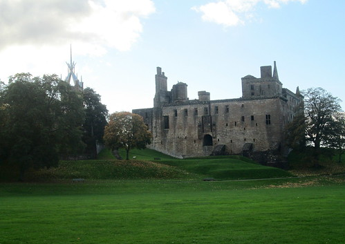 Linlithgow Palace   close