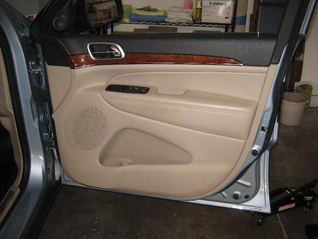 2012 jeep grand cherokee front passenger interior door. Black Bedroom Furniture Sets. Home Design Ideas