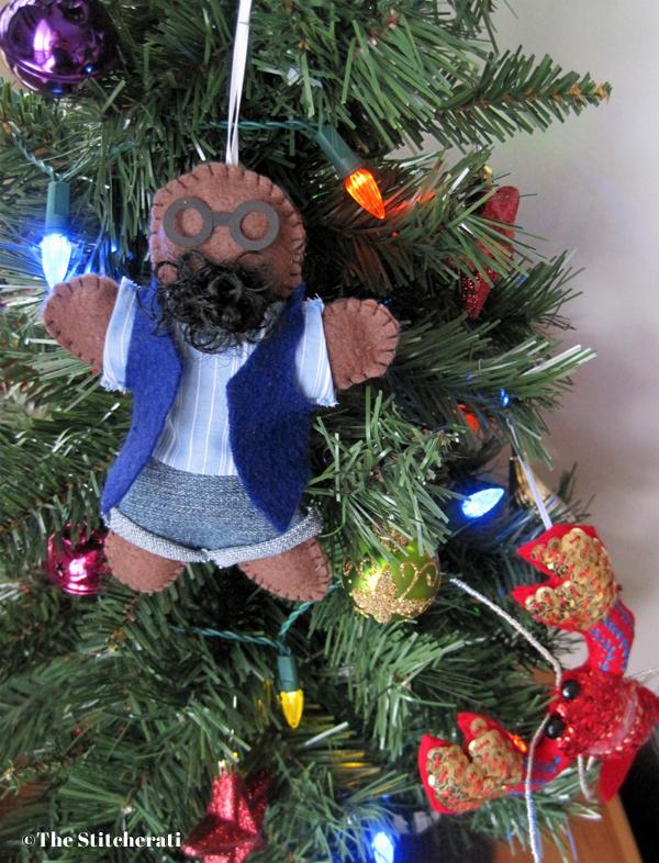 tutorial hipster gingerbread man felt ornament the stitcheratithe