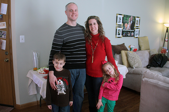 2013-Fam-Pic-on-Christmas-(day-after)