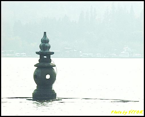杭州 西湖 (其他景點) - 448 (西湖十景之 三潭印月 其中一個石燈籠)