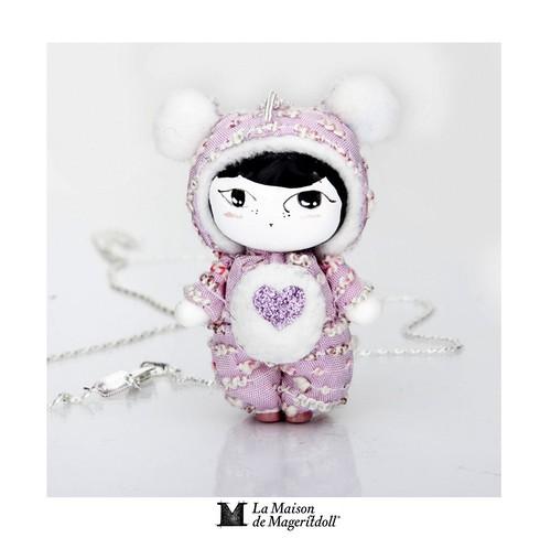 Mageritdoll: Oso Amoroso  - Loving Bear (Resin Art Doll Jewelry - Joyas de Muñeca. Muñeca artística resina) by La Maison de Mageritdoll