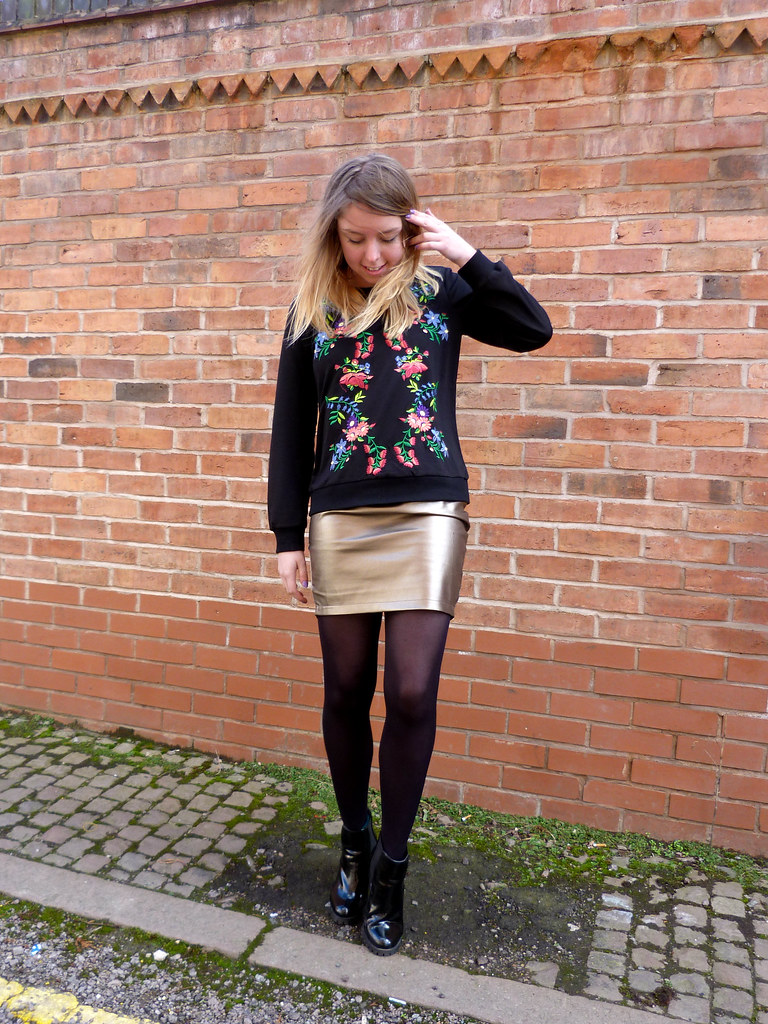Embroidered sweater | Metallic skirt | #fblogger outfit post
