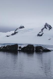 007 Halfmoon Island