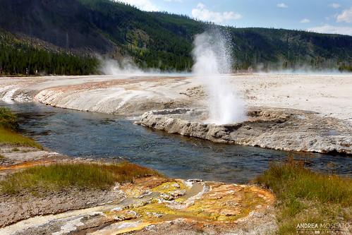 Yellowstone Park Elevation : Elevation of old faithful geyser wyoming usa maplogs