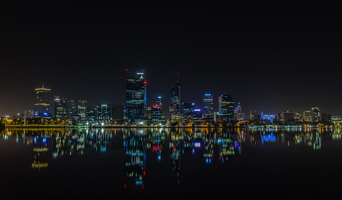 longexposure light colour fog night canon reflections cityscape tripod perth 7d cbd westernaustralia swanriver 1740f4l