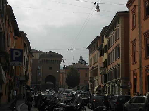 DSCN4635 _ Porta Castiglione, Bologna, Italy