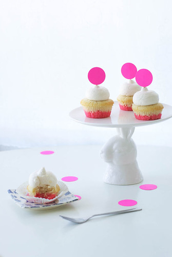 dip dye cupcake DIY for poppytalk