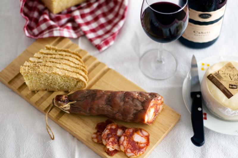 Vinho, queijo e enchidos portugueses