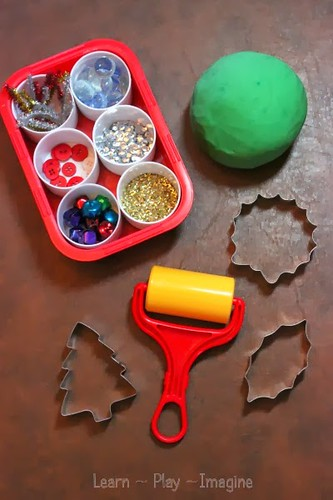 Christmas Playdough Table from Learn Play Imagine