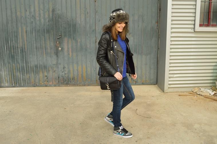 lara-vazquez-madlula-blog-fashion-style-perfecto-jacket-jeans-casual-look
