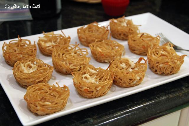 Baked Spaghetti Cups - Nessa Makes