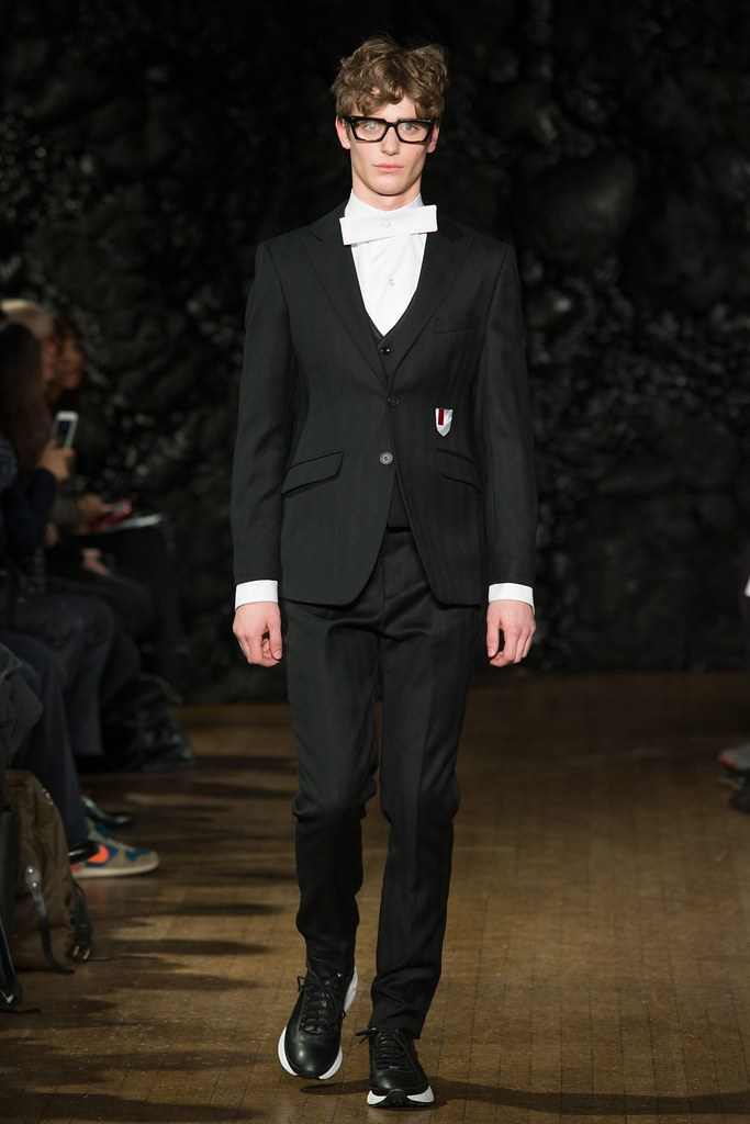 FW14 London Xander Zhou039_Ben Allen(VOGUE)