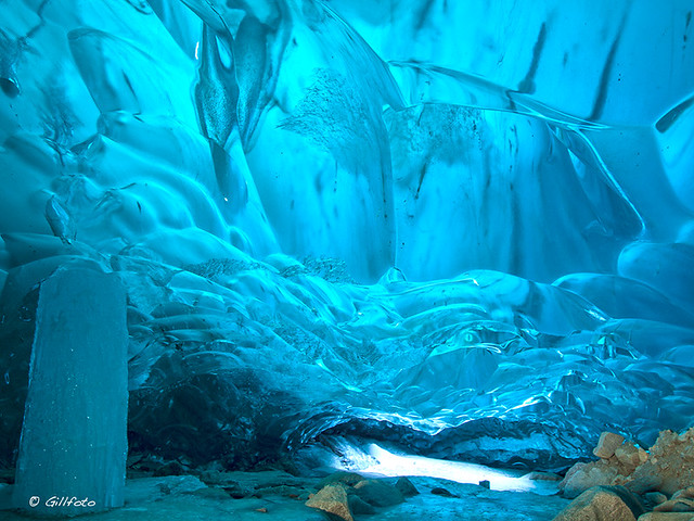 他の惑星のような氷の世界「メンデンホールの氷の洞窟」