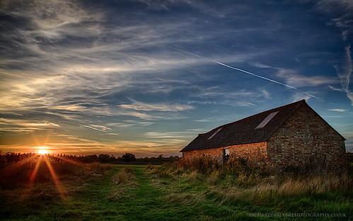 sunset sky sun abandoned field clouds barn buckinghamshire bucks