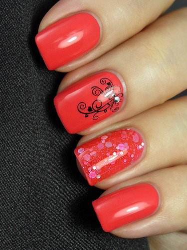 O.P.I. Live.Love.Carnaval & KBShimmer Belle Of The Mall