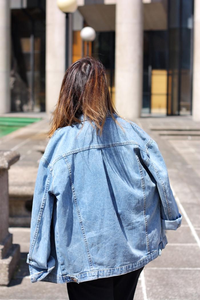 blogger_mix-outfit-street_style-stripes-denim_jacket-blue_marine-white_clutch