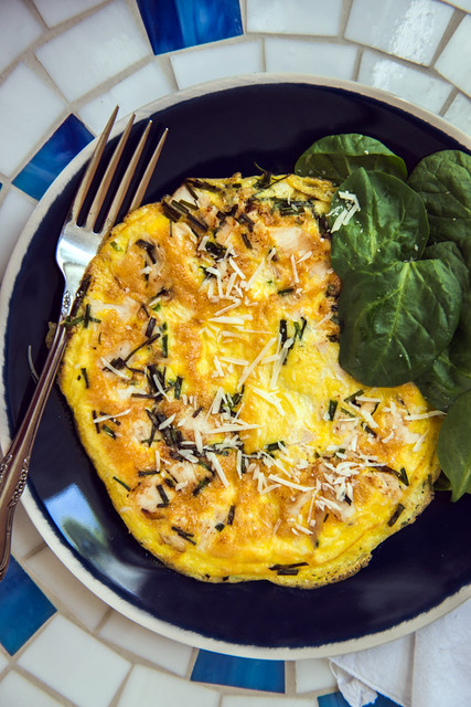 Chicken and chives frittata