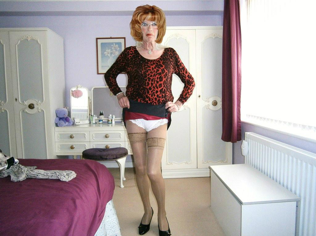 Raised Skirt Pics 113