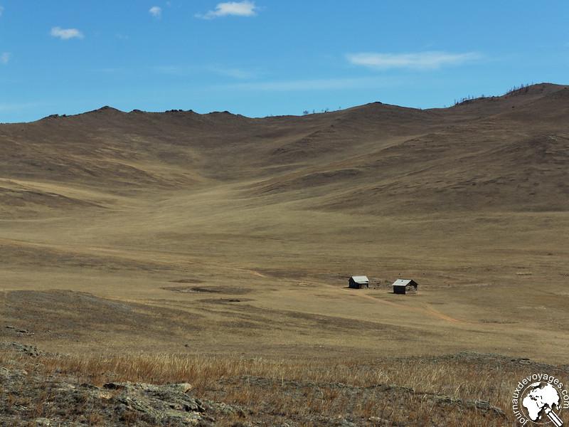 Cabane perdue sur l'île d'Olkhone