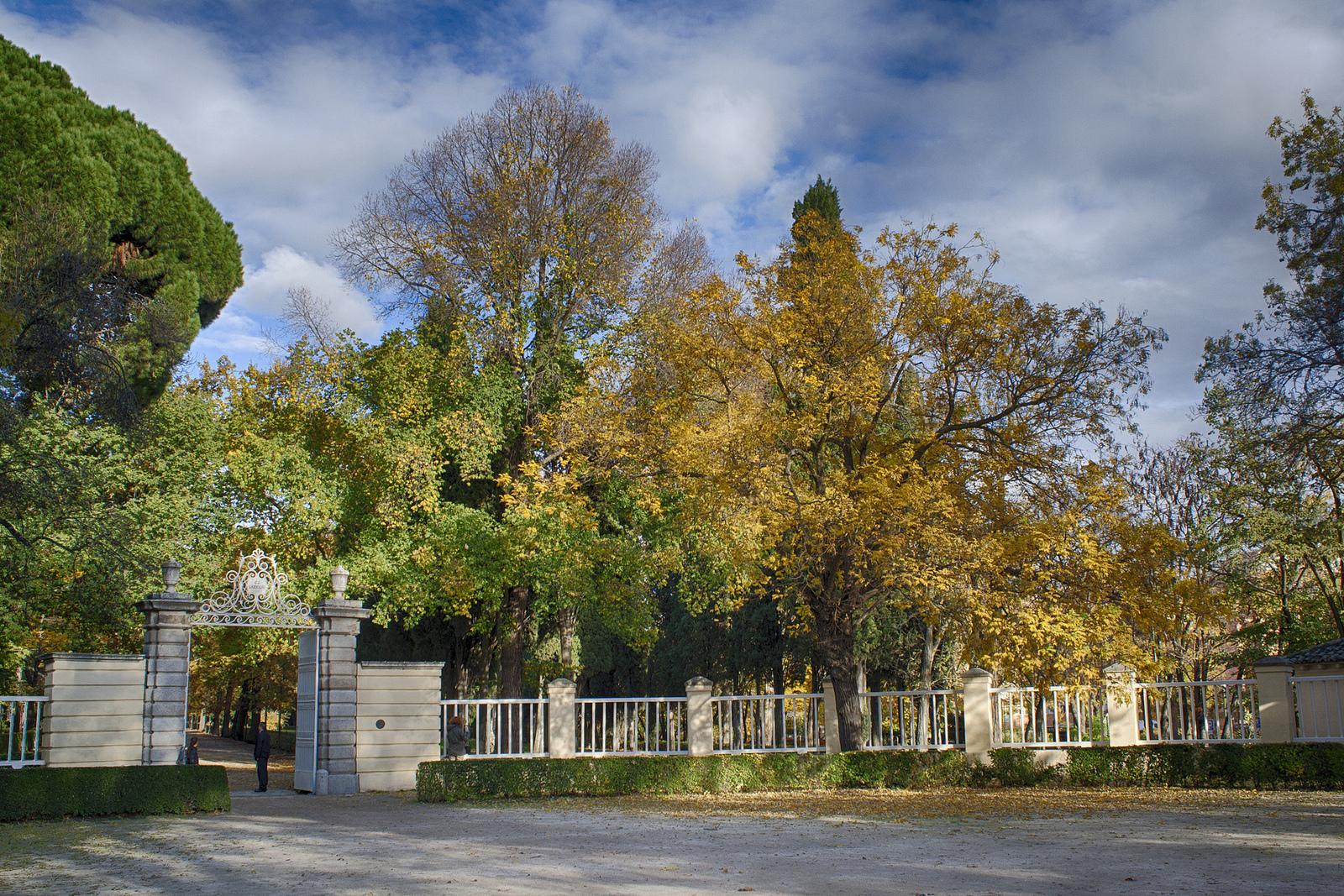 Jardines de El Capricho, de Madrid. Autor, M. Peinado