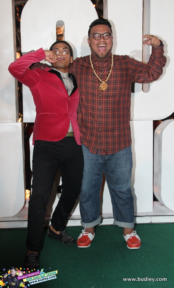 Hanif & Ray Era di Anugerah Blokbuster 2