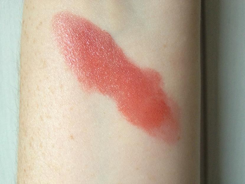 Oriflame_Triple_Core_Lipstick_'Nude_Peach' (6)