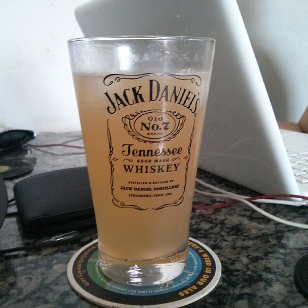 lynchburg lemonade jack daniels cointreau lemon juice. Black Bedroom Furniture Sets. Home Design Ideas