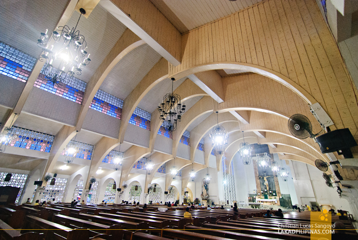 Interior Curves and Lines at the Ozamiz Cathedral