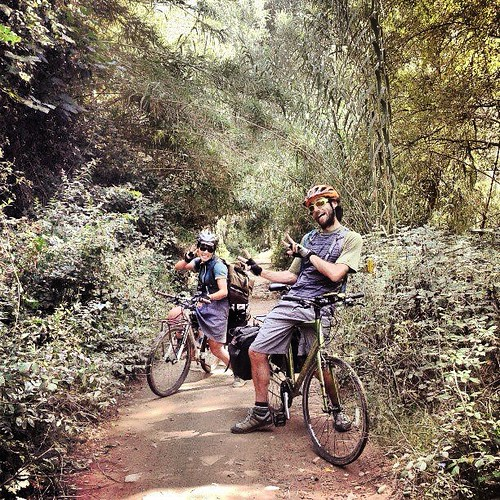 SOOO FUN!! Riding in the jungle. Photo via @conunparderuedas