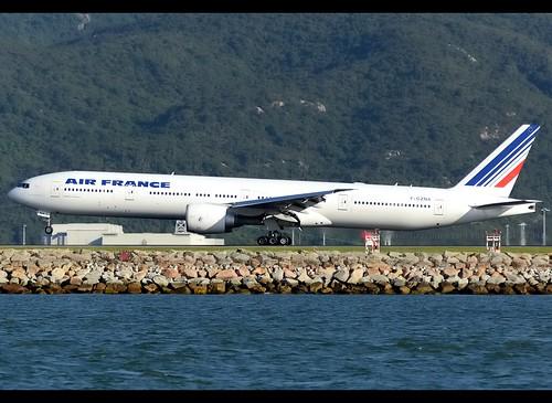 B77W - Boeing 777-328(ER)