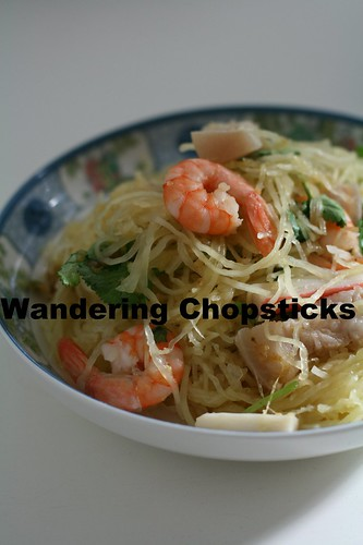 Goi Bi Soi Tom Thit Heo (Vietnamese Spaghetti Squash Salad with Shrimp and Pork) 2