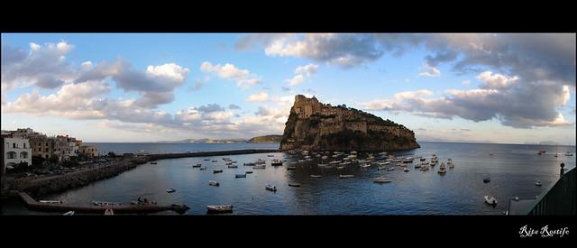 Ischia Ponte. Veduta Castello Aragonese ed isole
