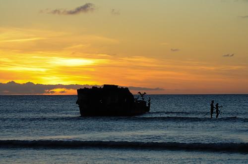 sunset beach atardecer day playa aruba shipwreck caribbean netherlandsantilles caribe naufragio shipwrek flickraward antillasholandesas hadicurari hadicuraribeach nikonflickraward flickrtravelaward pwpartlycloudy playahadicurari