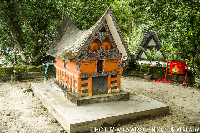 Indonesia - Medan - Samosir - Tomok - Tombs of Sidabutar King