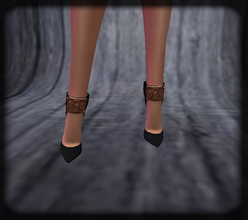 AsHmOoT_AW Coll_Pointed Laced High Heels_Black&Bronze by Orelana resident