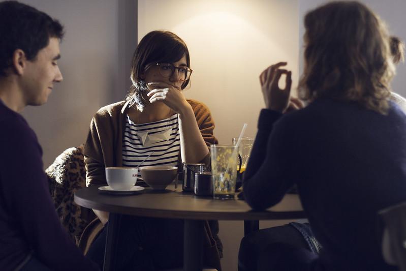 Mujeres y bares. El café