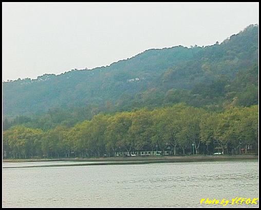 杭州 西湖 (其他景點) - 128 (從白堤上看北裡湖畔及北山路)