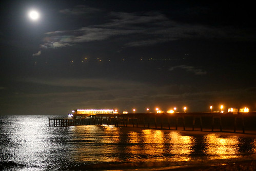 The Moon and the pier