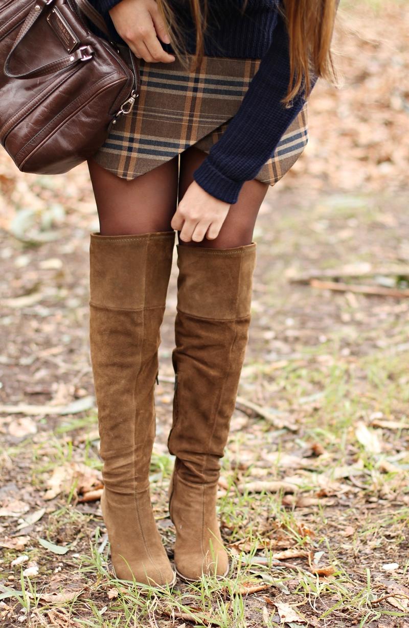falda, botas altas zara
