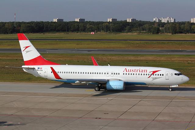 Austrian - B738 - OE-LNJ (1)