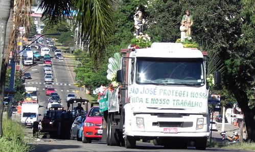 Procissão motorizada saiu ainda do Bairro Petrópolis.
