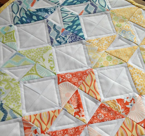 Sunny Colorado Table Topper quilting detail