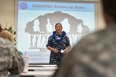 Rear Adm. Alma Grocki discusses her experiences and offers encouragement during a meeting of U.S. Army Pacific's Sisters in Arms. (U.S. Navy/MC3 Diana Quinlan)