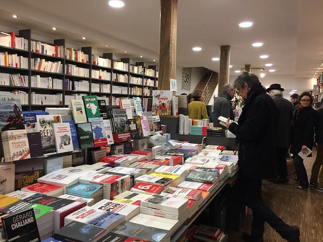 Guillaume Musso et Michel Bussi, auteurs préférés des Français — Romans