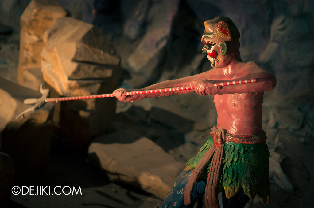 Haw Par Villa - inside ten courts of hell 5