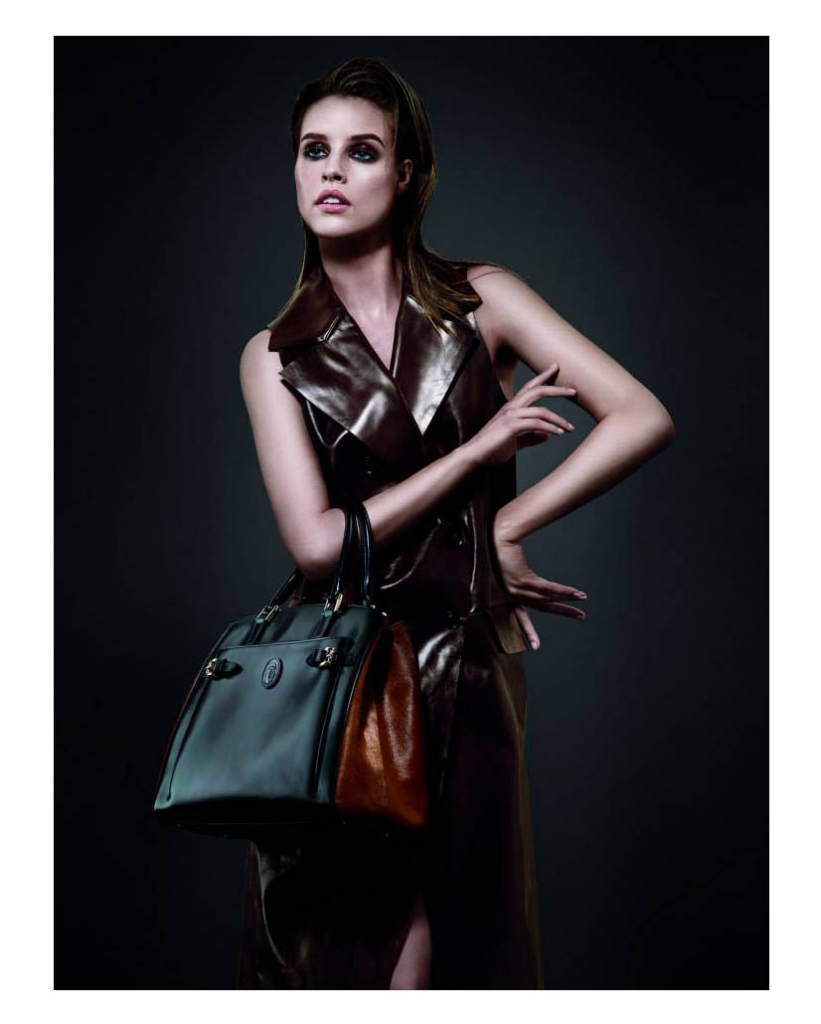 julia-frauche-for-trussardi-fall-winter-2013-2014-campaign-by-albert-watson-1