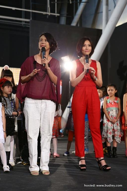 The Super Cute Hosts (L-R) Linda Ang &Amp; Lynn Lim