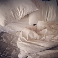 bed frame(0.0), textile(1.0), furniture(1.0), mattress pad(1.0), bed sheet(1.0),