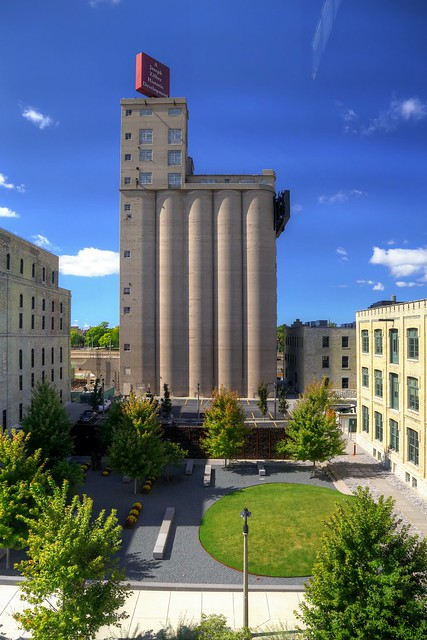 The Brewery Grain Silos / Zilber Park